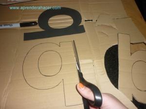 Recorta tus letras del carton
