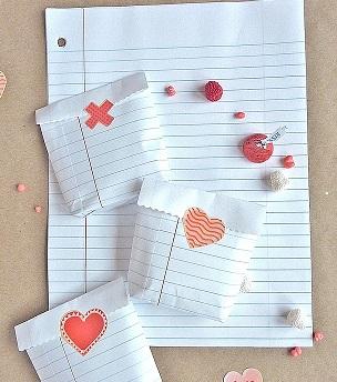 bolsas con hojas de cuaderno